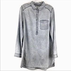 Caslon Button Down Tunic Fit Gray Acid Wash Sz M